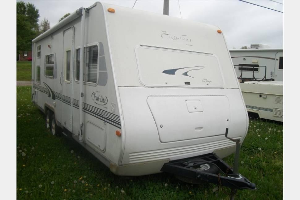 2001 Trail Lite 7253 - Amazing RV!
