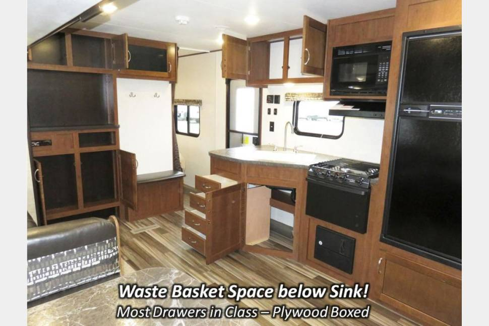 2017 Jayco QUAD BUNKHOUSE SLX 29QBSW (DELIVERY AVAIL) - Family Fun In Our Bunkhouse!