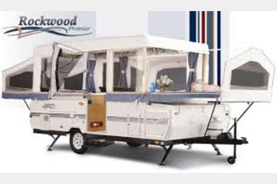 2004 Forest River Rockwood 1610 - Awesome Pop Up!