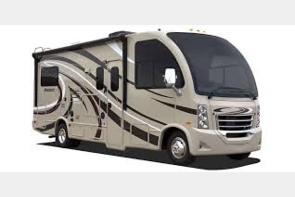 2016 Thor Vegas - Clean and Comfortable!