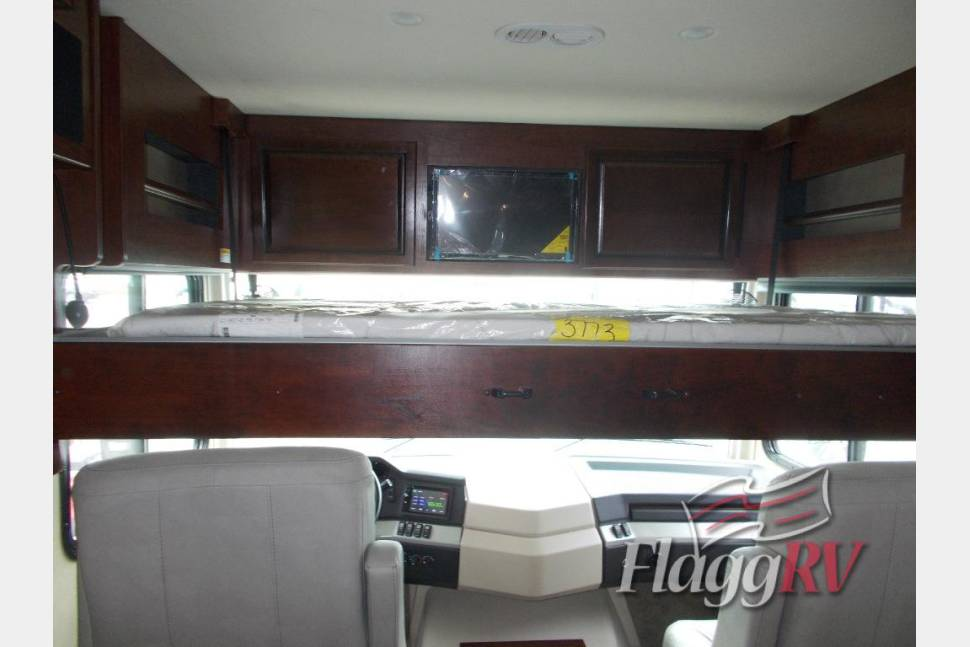 2017 Fleetwood Bounder 36h - 2017 Fleetwood Bounder 36H - Bunkhouse with 1 1/2 baths