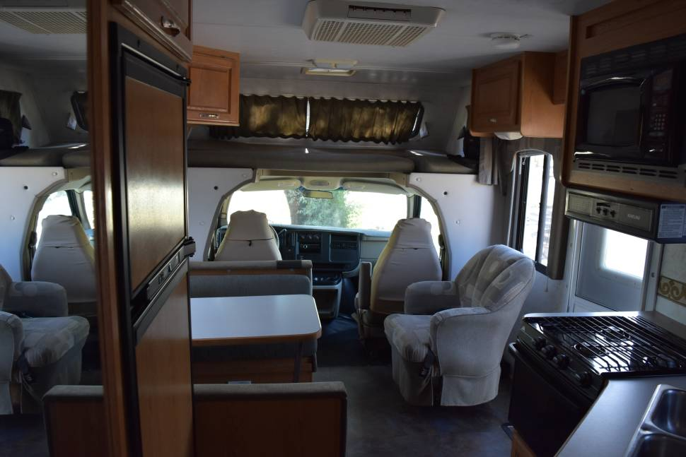 2004 Four Winds 23A Chevy - Class C 23 footer Wagoneer