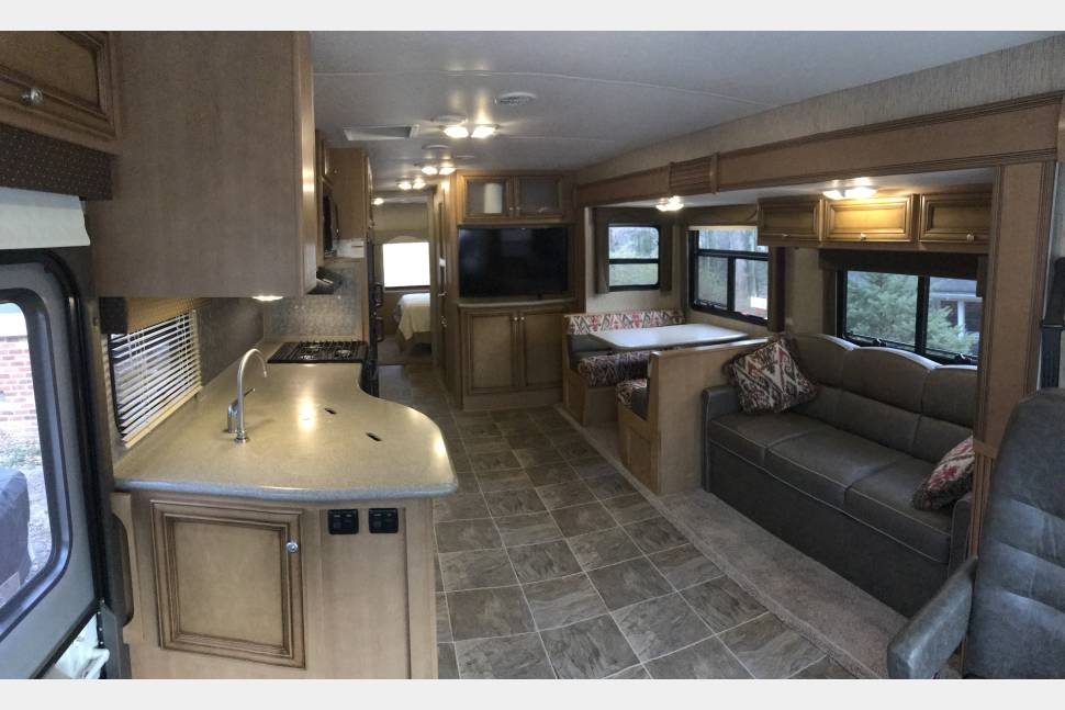 2016 Newmar Bay Star Sport 3306 - Not all who wander are lost.