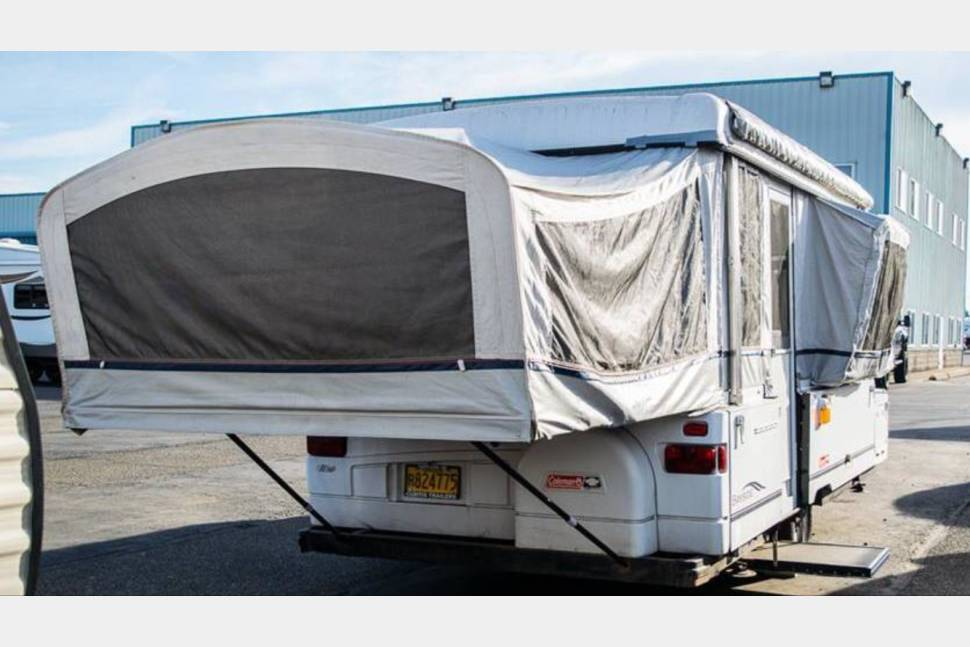 1998 Coleman Bayside - Bayside Beauty Coleman pop up with everything you need for a camping get away.