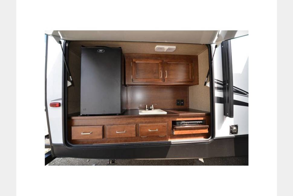 2018 Brand New Keystone Outback LTD Free Delivery & Setup To Yogi Bear Camp Ground In Williamsport(Hagerstown) Maryland W/Weekly Rental - Brand New Top Of The Keytone Outback Limited Edition Travel Trailer Super Interior With All Major Upgrades Free Delivery To Yogi Bear In Williamsport MD W/ Weekly Rental
