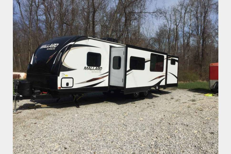 2017 Heartland Mallard M32 Bunkhouse - Rend Lake and Carlyle Lake. Fun for the entire Family. Other destinations are ok as well.