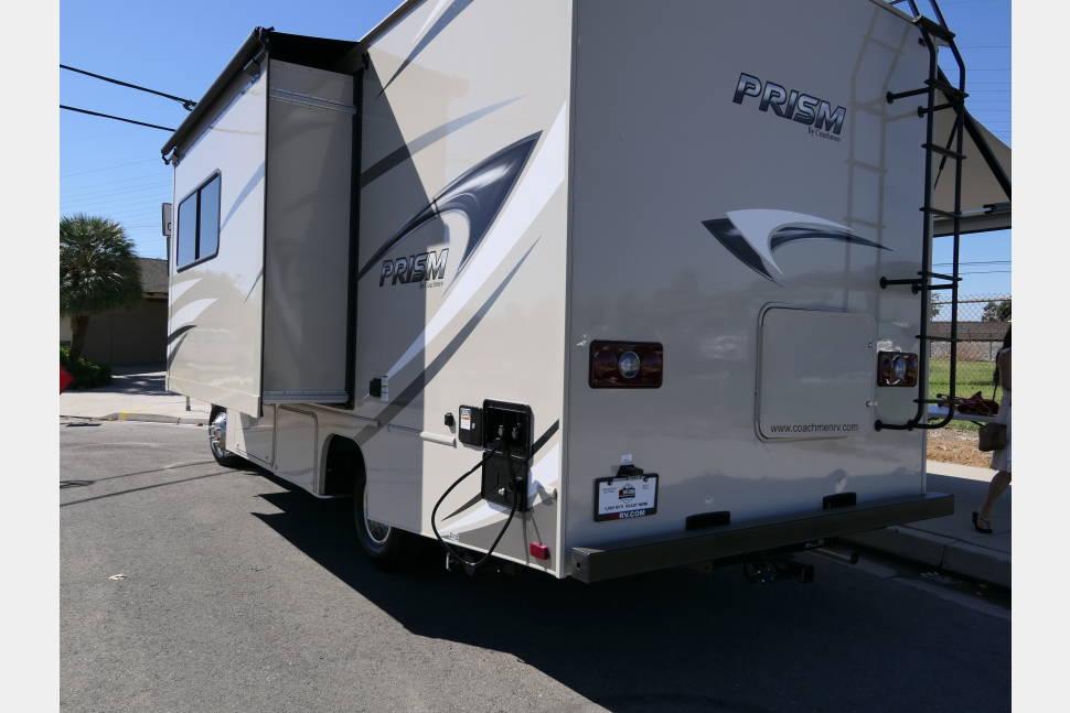 2018 Mercedez Coachmen * Long Beach Coast - 2018 Mercedez @ Long Beach Coast