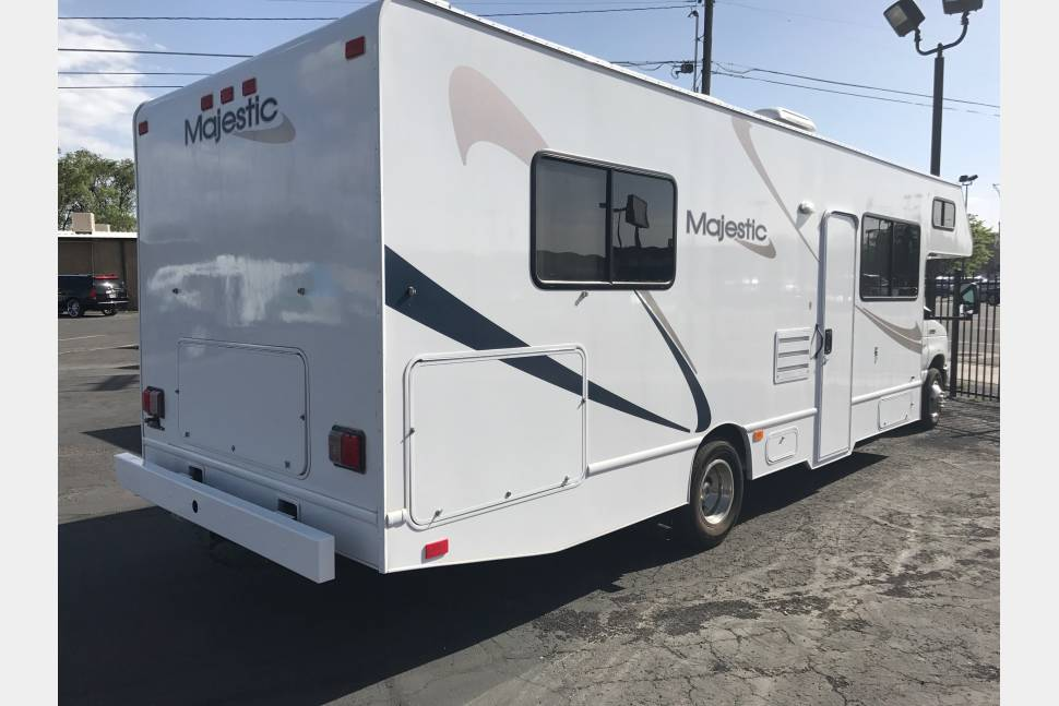 2012 Ford Majestic 28 RV Grizzly 4 - Ultimate family RV Grizzly 4
