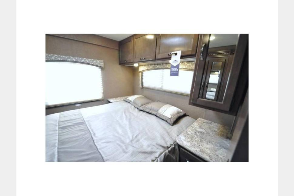 2018 NEW Thor Four Winds 30D Bunkhouse - Camp in Style : NEW 2018 Thor Four Winds Bunkhouse