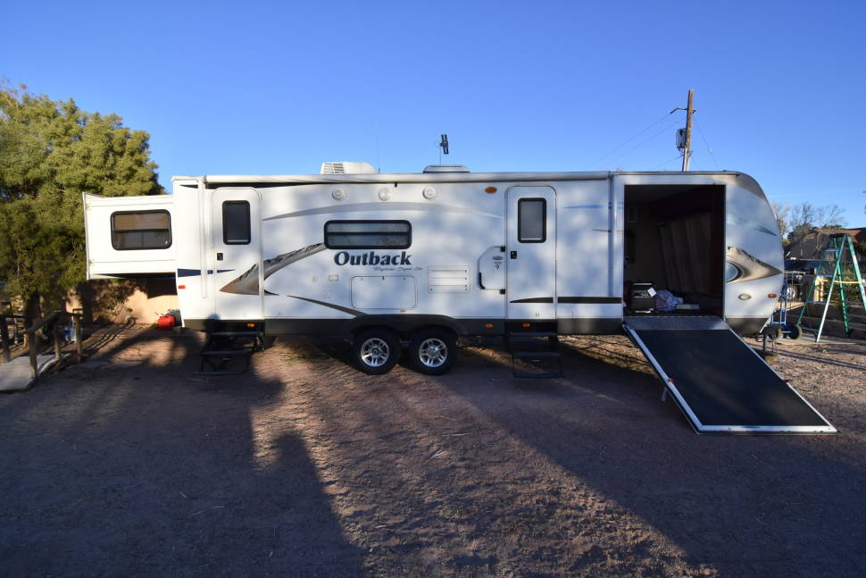 2011 Outback Keystone 280rs Fully Loaded - 2011 Outback Keystone 280RS Toy Hauler