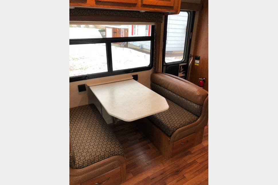 2016 Jayco Greyhawk - Highly Reviewed Immaculate 2016 Class C Jayco Greyhawk Bunkhouse (everything you need)