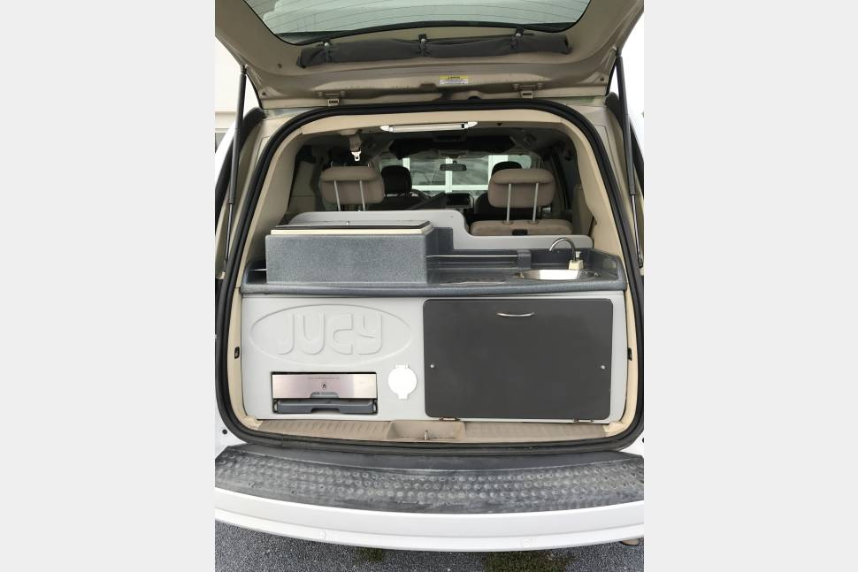 2010 Chrysler Town & Country Customized Campervan - Lucy the Jucy Traveling Mini Van