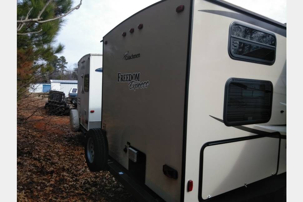 2016 Forest River Freedom Express - The Ideal travel trailer