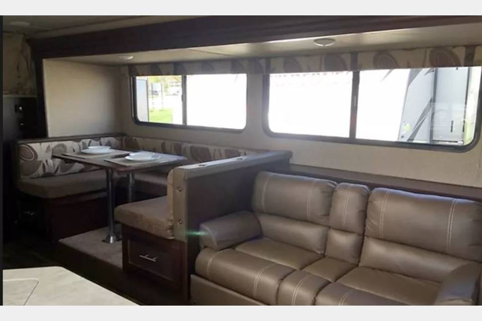 2017 Forest River 32' Sleeps 8 - 2017 Forest River 26DBH 32' Sleeps 8