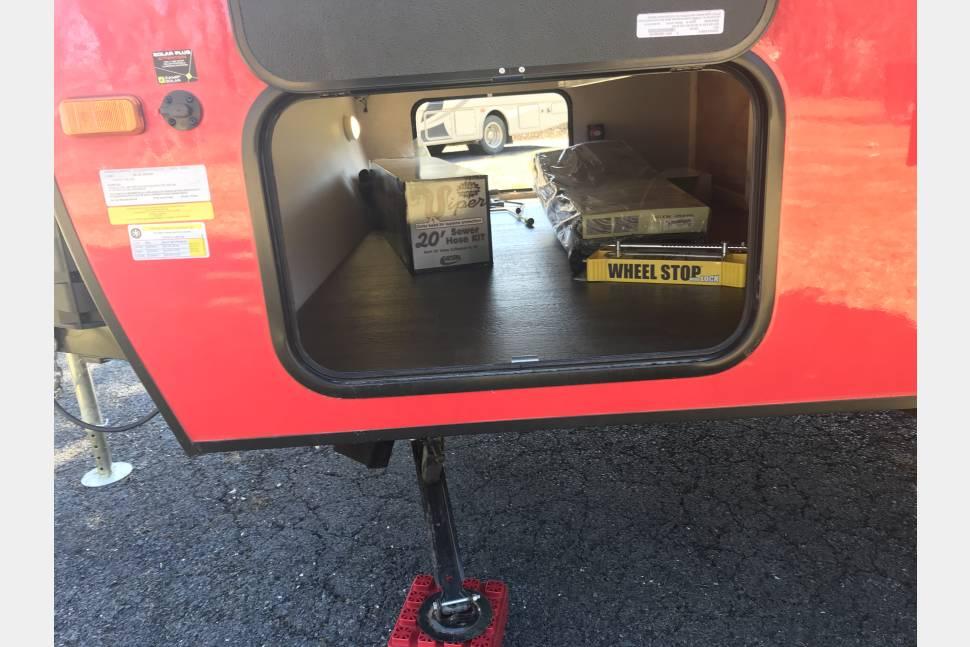 2018 Winnebago Micro Minnie 2100BH - The Happy Camper Too