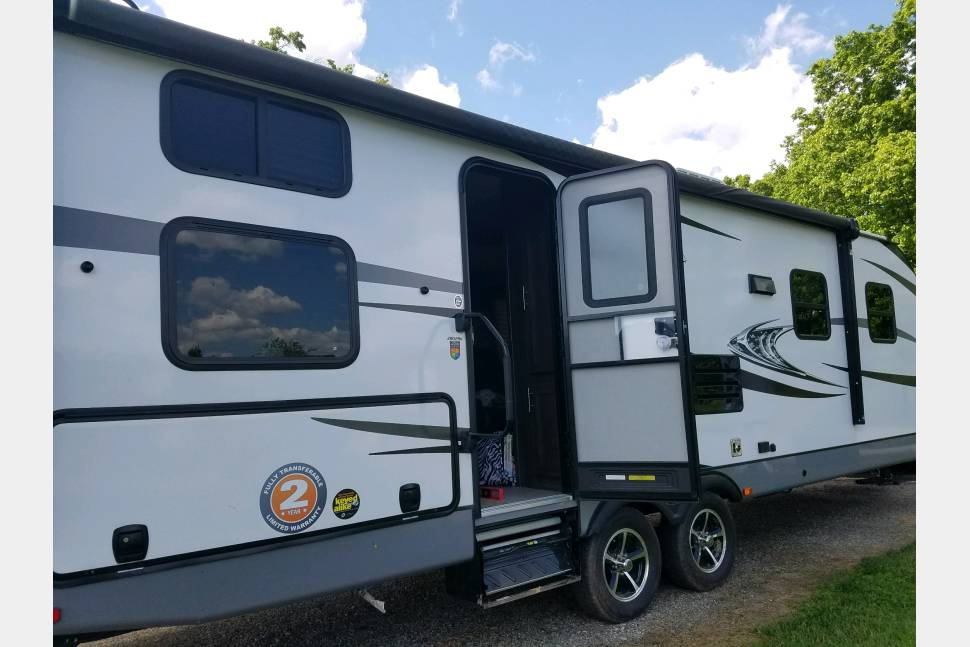 2017 Highland Ridge Open Range - Like New RV