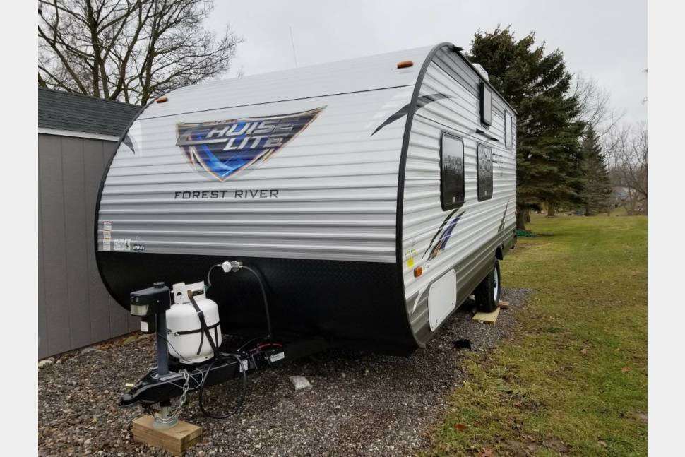 2017 Salem Cruise Lite 196BH - Bunkhouse Space And Light Weight - Salem Cruise Lite 196BH - Bunkhouse space and Light Weight for travel