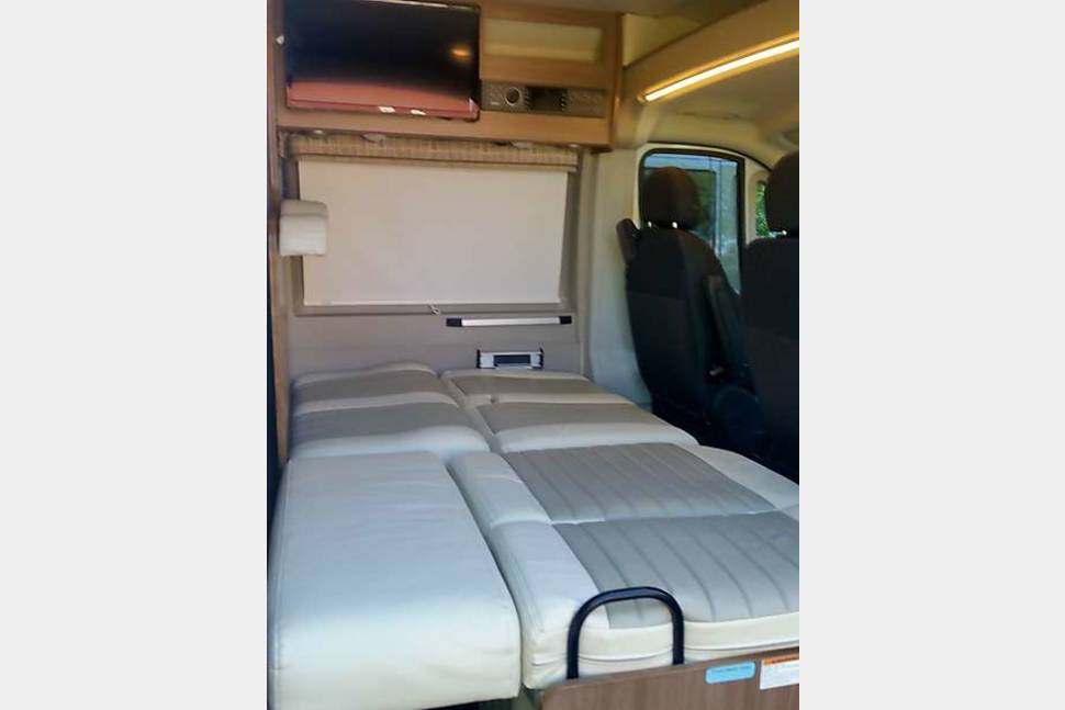 2018 Winnebago Travato 59G(F) - Everything is included just bring your clothes!!! Great family traveling van. Sleeps 4!!! Park in a regular spot!!!