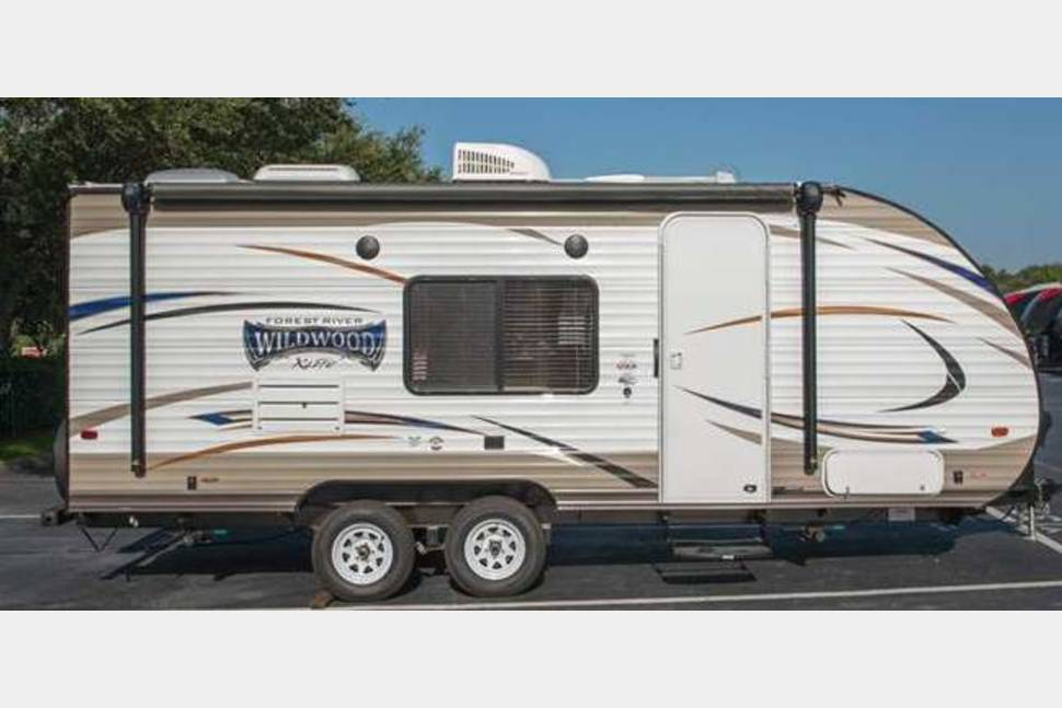 2017 Wildwood 201BHXL - 2017 Wildwood 201BHXL , Light Weight, Excellent Condition, Clean, Easy To Tow