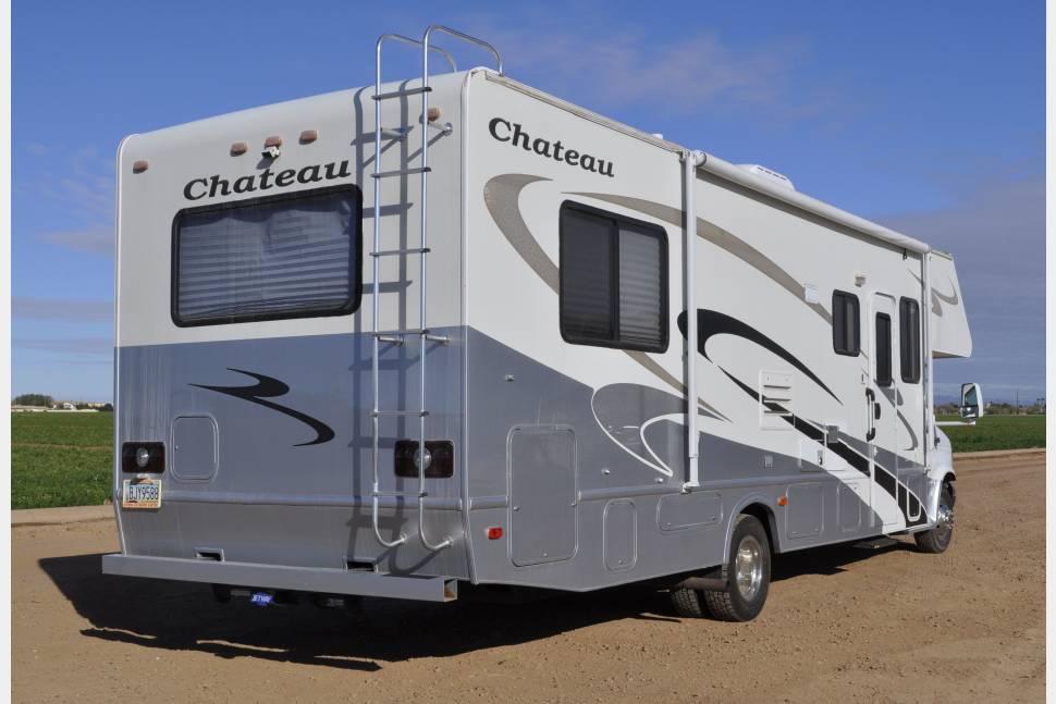 2006 Thor/Chateau Four Winds - LUXURY RV RENTALS LLC CLASS C THOR CHATEAU FOUR WINDS WITH 1 SLIDE
