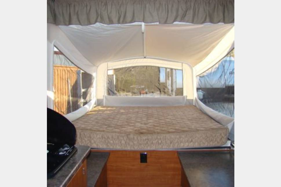 2017 Somerset Chesapeake - 2017 – 11′ Popup Camper Opens to 23′ Long