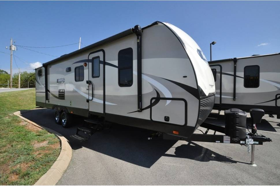 2018 Cruiser RV MPG - Cruiser MPG with King Size Bed!