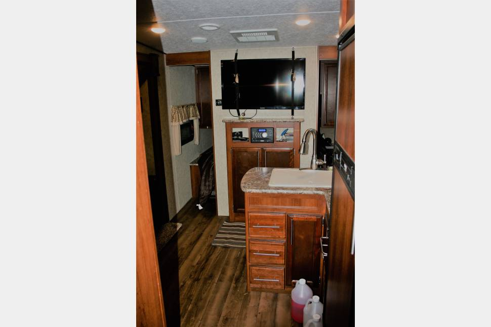 2017 Fury 2910 Toy Hauler - Bring Your Bike, 4 Wheeler, Grill, Or Other Large Toys! - 2017 prime time Fury 2910 toy hauler