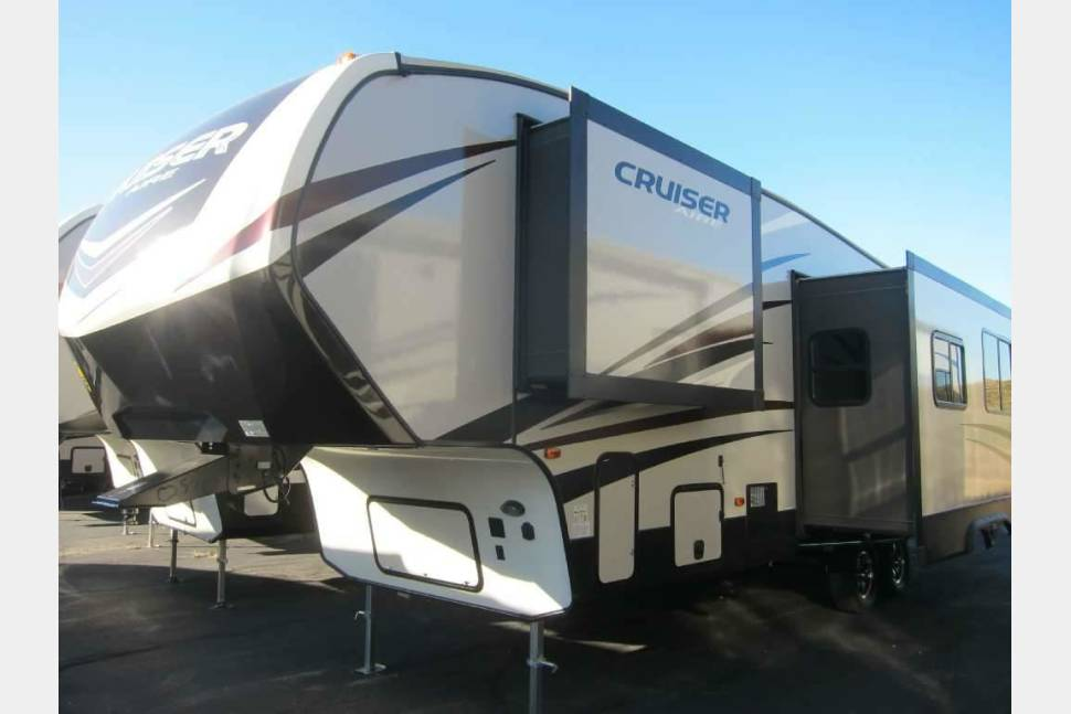 2018 Crossroads Cruiser Aire CR29BH18 - Home Away From Home.. and then some!