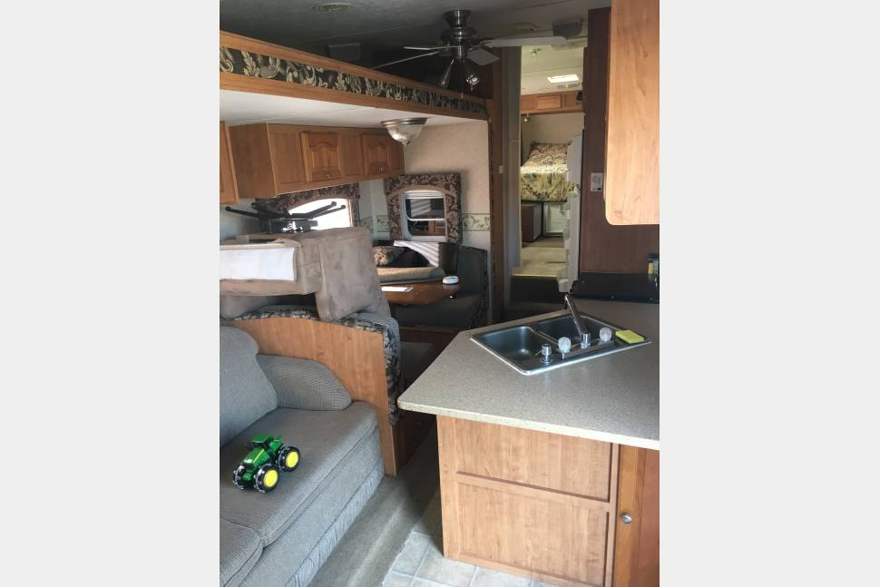 2007 Rockwood Signature Ultra Lite - HOME AWAY FROM HOME!!!!