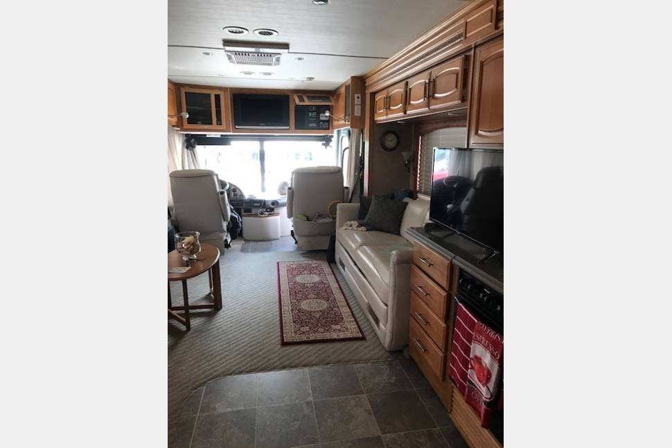 2007 CLASS A Diesel Fleetwood Excursion 39s Motor Home - CLASS A Fleetwood diesel motor home 39ft