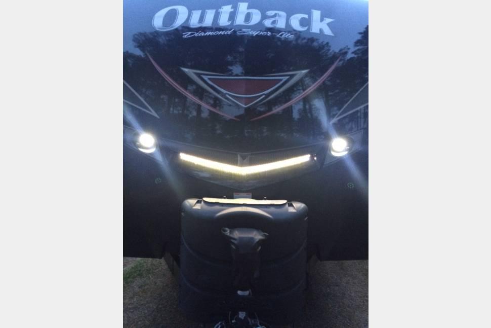 2017 Keystone Outback CG324 - 2017 Keystone Outback CG324