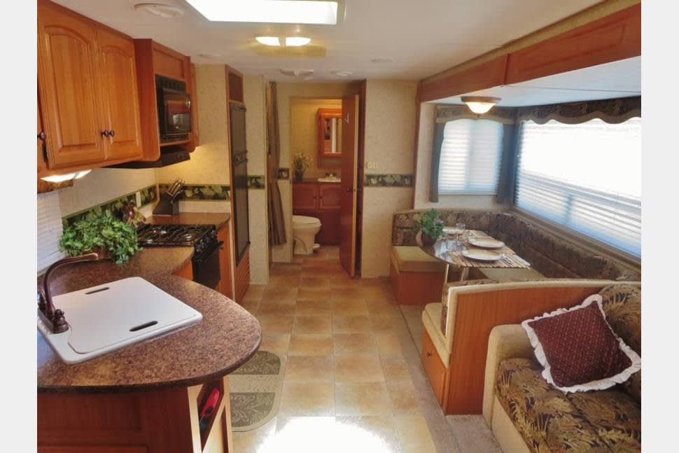 2012 Four Winds (Delivery, Setup And Removal Available) - New 30ft. Four Winds Camper!