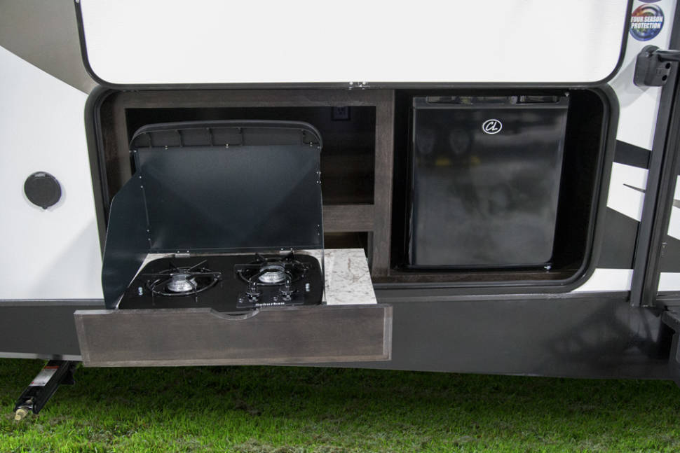 2017 Grand Design 2400BH - Ultimate Camping