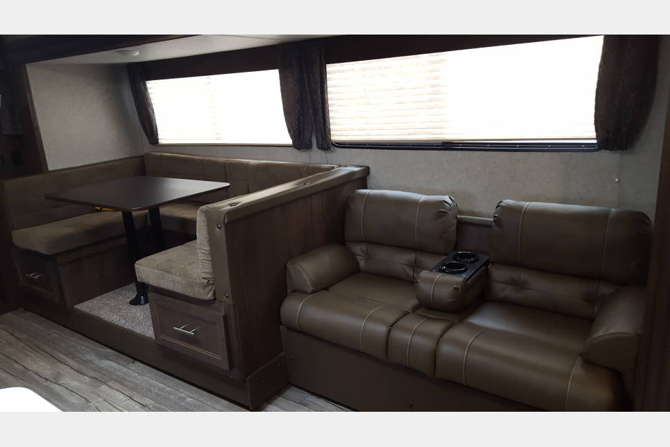 2019 Forest River Grey Wolf 26DBH - 2019 Forest River Grey Wolf 26DBH, Relax and Enjoy
