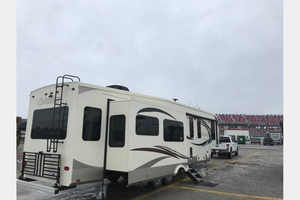 2018 Palomino Columbus - Brutus the Camping Beast