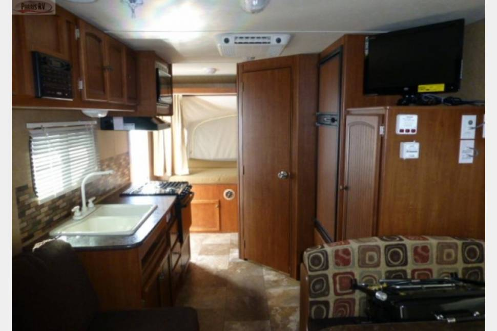 2013 19XH Jayfeather By Jayco - 19' Ultra light sleeps up to 8