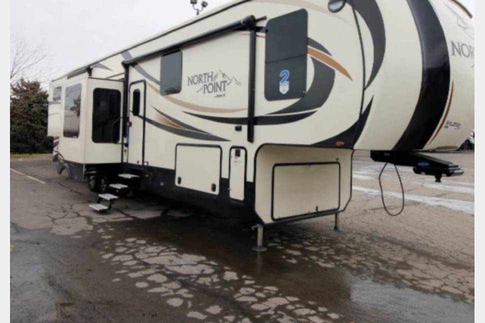 2017 Jayco Northpoint 351 RSQS - Jayco Northpoint Luxury 351 RSQS 5th wheel
