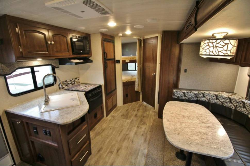 2017 Heartland NorthTrail 24BHS - 2017 Heartland - Light Weight with Bunk beds (Low Deposit, Delivery, & Setup Fees!)