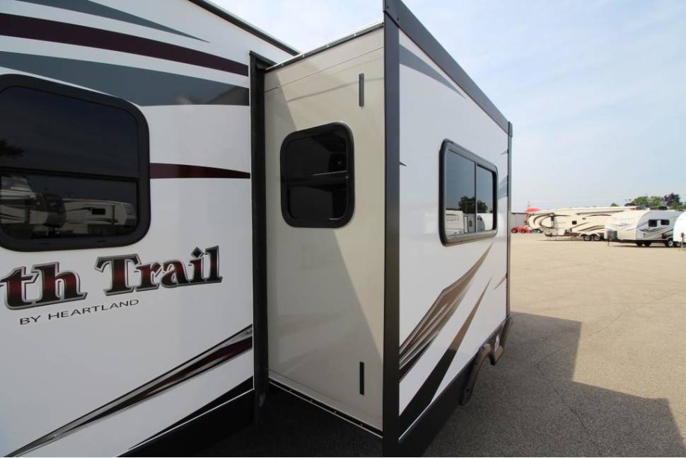 2016 Heartland North Trail (Insurance Included/North Port) - Light weight bunkhouse (Insurance Included)
