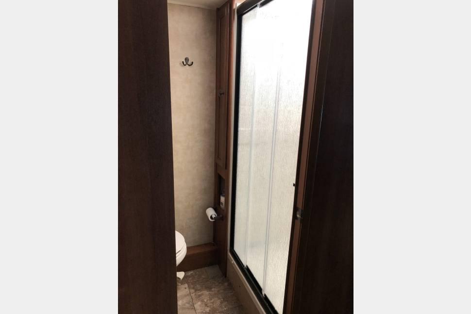 2014 Coachman Leprechaun 320BH - 2014 Coachman Leprechaun 320 Bunk House 32 feet of comfort