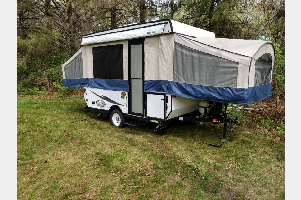 2017 Viking By Foreat River - 2017 Viking by Forest River. Sleeps 7!!