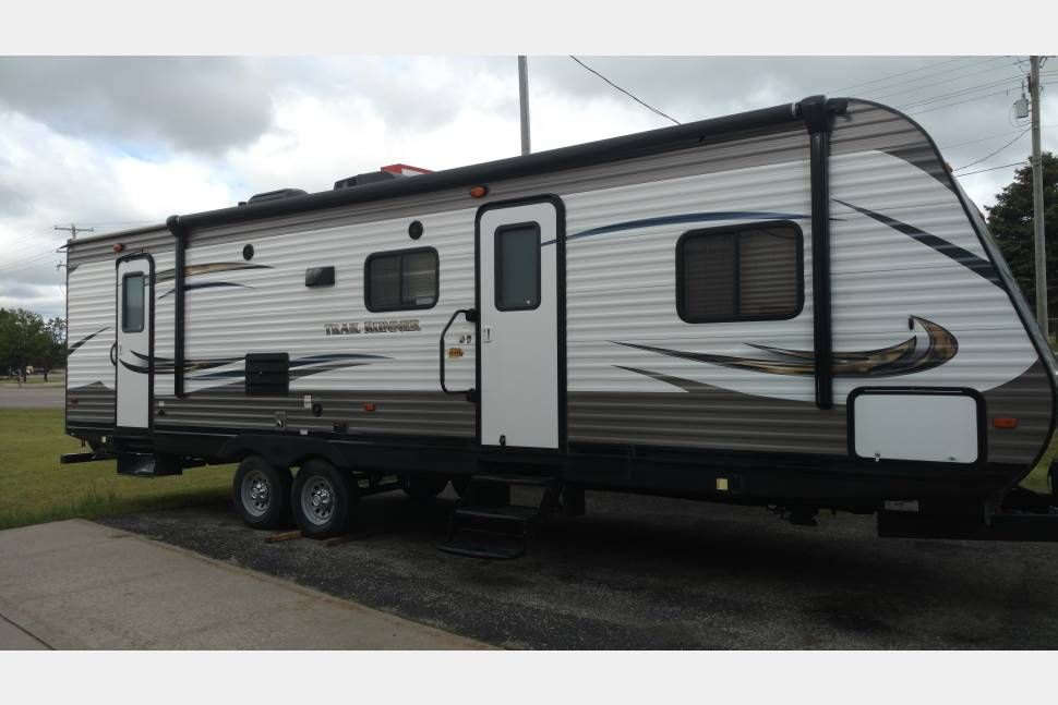 2016 Heartland Trailrunner - My travel trailer is your best choice for your next trip !