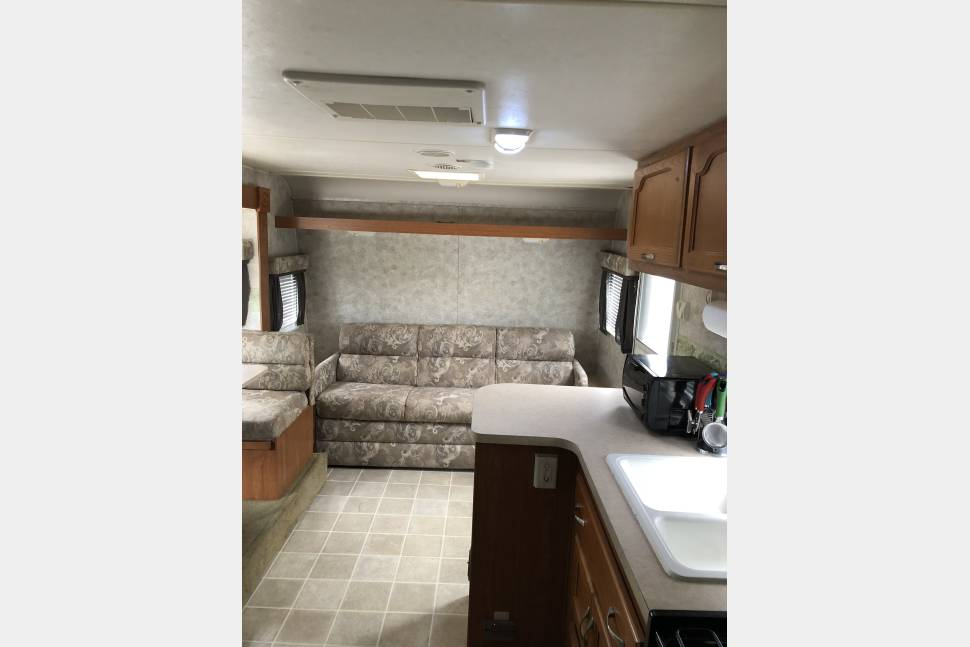 "2005 Coachman Capri Ruby Edition - ""Gone for the weekend"""