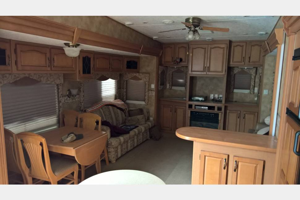 2006 Keystone Everest - Great Times with my RV!