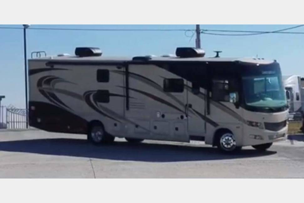 2018 Georgetown - 2 Baths And Bunks - 2018 Georgetown - Adventure in Style