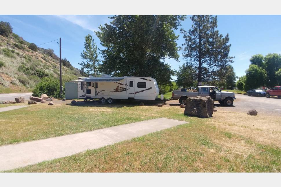 2010 Keystone Cougar - Home away from home!