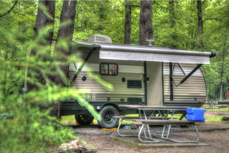 2018 Wildwood FSX 207 BH - Cade your home away from home! Fully Featured and light weight perfect for weekend or longer getway!