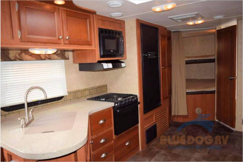 2013 Coleman/Explorer 281BH - Delivered For You - Like new delivered for you in Chelan, Leavenworth, Orondo, or Twisp/Winthrop area
