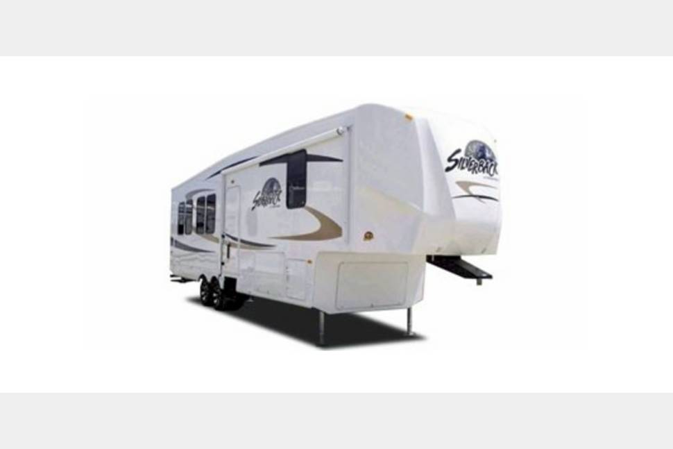 2013 Forest River Heritage Glenn 346QBUD - My RV is Perfect for Your Next Getaway!