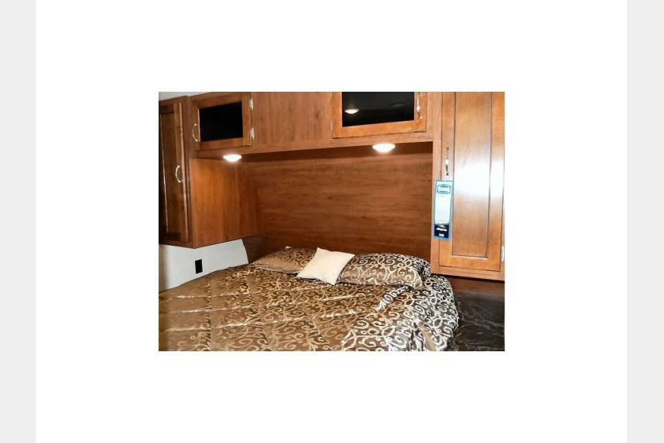 2017 Jayco 28BHBE JAYFLIGHT - 'The Escape Plan' *** ACTIVE MILITARY AND ACTIVE LAW ENFORCEMENT DISCOUNT WITH VALID I.D.***